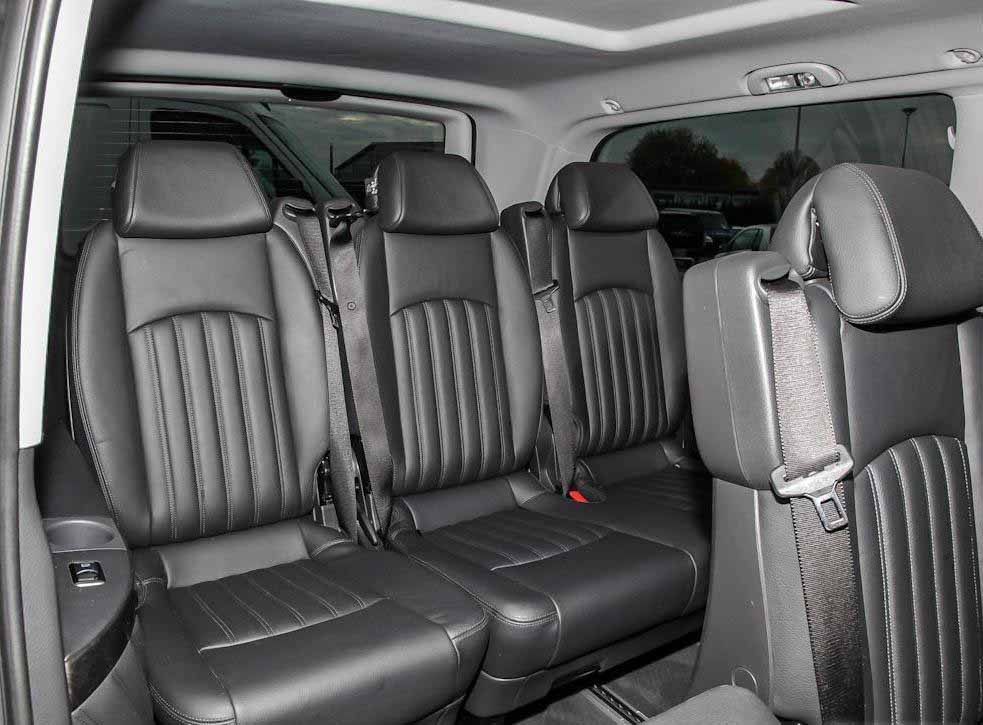 Mercedes_Benz_Viano_Salon_web.jpg